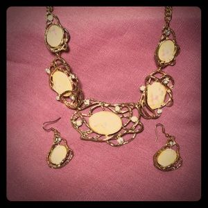 Costume jewelry, necklace with earrings